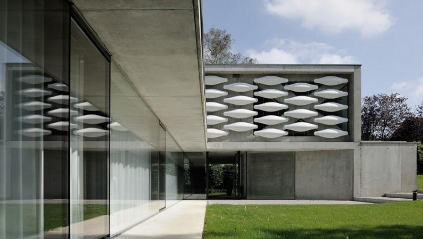 pierre-minassian-maison-contemporaine-grands-vitrages-maison-au-bord-du-lac-leman-a-geneve-suisse