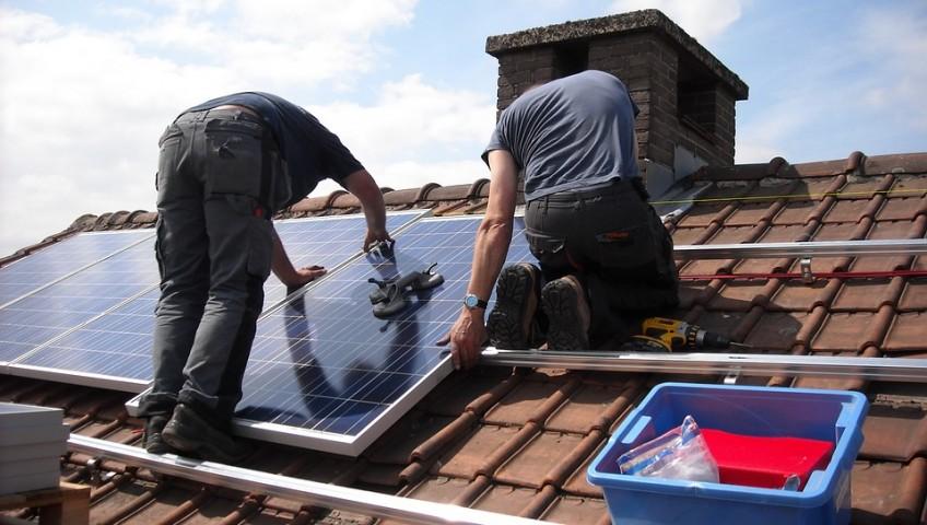 solar-panels-943999_960_720